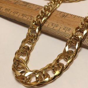 Medium Link Chain Necklace